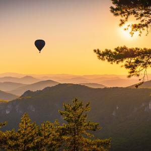 Len balónom ponad Súľovské skaly