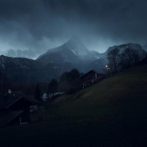 v  horach