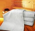 Bílý hotelový ručník