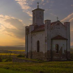 kostol pri zapadne slnka