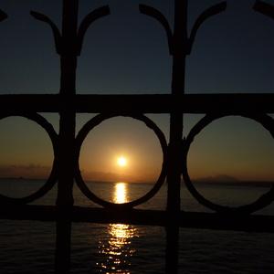 východ slnka v mestečku Rethymno