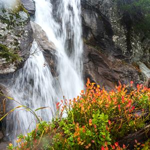 jeseň na Studenovodskom vodopáde