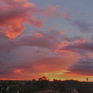 Zapad slnka pred burkou