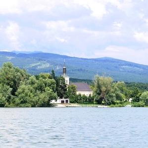 kostol pri vode