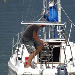 na plachetnici