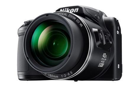 Nové kompakty Nikon