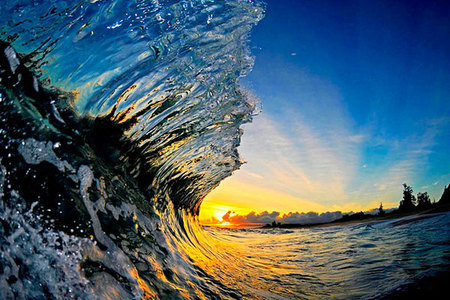 Fotograf zachytáva ohromujúcu silu morských vĺn