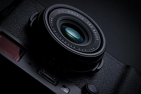Moderná architektúra s Fujifilm X100F