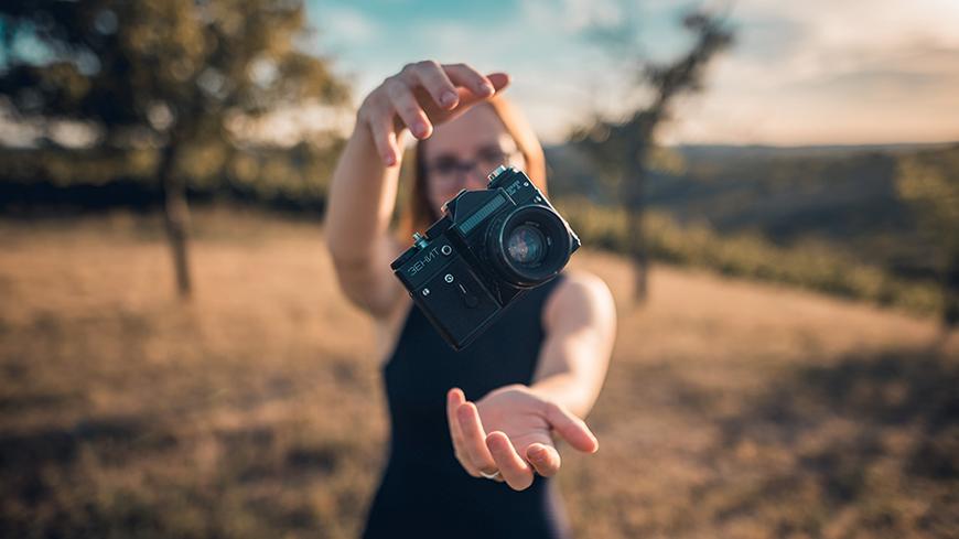 Ako vložiť fotku do fotky: vytvorte fotografickú koláž alebo fotomontáž pomocou vrstiev
