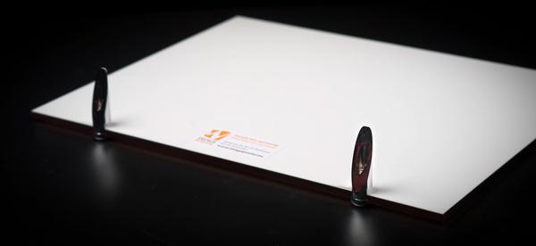 Testovanie tlače foto akryl na stôl