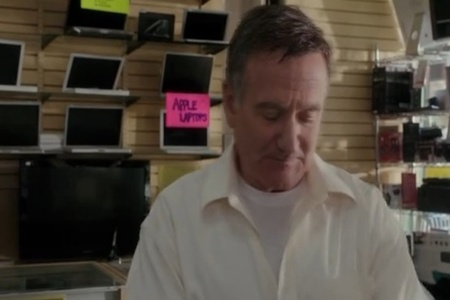 Nezabudnuteľný Robin Williams nakupuje videotechniku