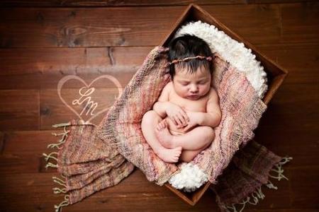 Kurz fotenia novorodeniatka - ukážka z kurzu
