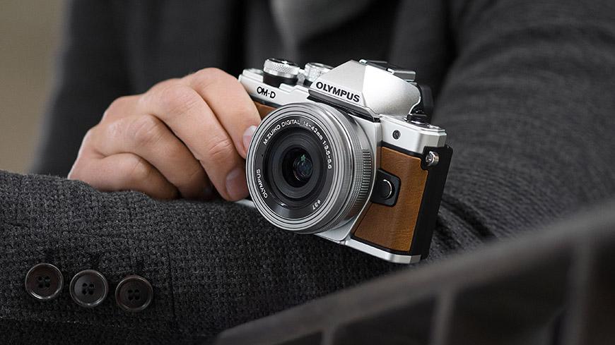 d2f6e1dd655f1 Kupujeme staršiu bezzrkadlovku - Fotoškola | ePhoto.sk - foto, fotografie,  fotoaparáty