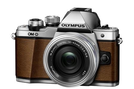 Limitovaná edice fotoaparátu OM-D E-M10 Mark II a stylový Monocular i