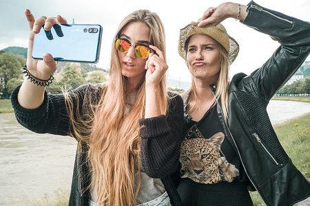 Ako nafotiť skvelé zábery priateľov so smartfónom