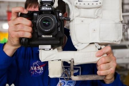 Nikon D2Xs vo vesmíre
