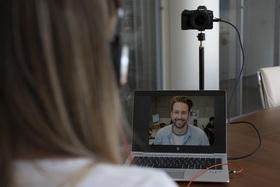Premeňte svoj fotoaparát Canon na špičkovú webkameru za pomoci softvéru EOS Webcam Utility