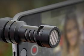 Dobrý zvuk k videu na mobilním telefonu nebo tabletu