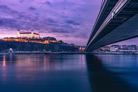 Nočná panoráma Bratislavy