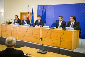 Núdzová SMS: Nová služba upozorní cestovateľov na možné hrozby, aj na prípadnú pomoc Slovenska v mimoriadnych situáciách