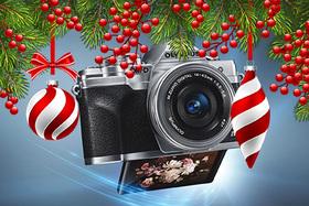 Našli ste si pod stromčekom fotoaparát?