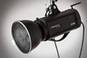 Domáci fotoateliér IV. - Reflektory, softboxy a dáždniky