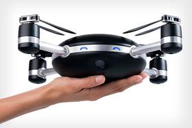 Dron Lily - vyhoď a fotografuj
