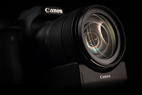 Video s Canon EOS 80D a EF-S 18-135mm f/3.5-5.6 IS USM