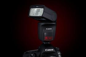 Canon Speedlite - prehľad bleskov